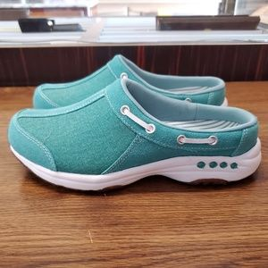 EASY SPIRIT TRAVELPORT MULES SIZE 6.5M